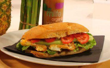 Yumurtalı Pastırmalı Sandviç Tarifi