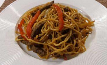 Etli Sebzeli Noodle Tarifi
