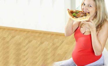 Prof. Dr. Teksen Çamlıbel Anlatıyor; Hamilelikte Sağlıklı Kilo Almak İçin…