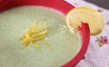 Salatalık ve Avokadolu Soğuk Çorba Tarifi