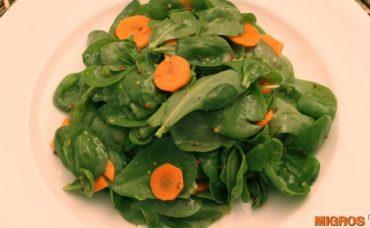 Sarımsaklı Havuçlu Semizotu Salatası Tarifi