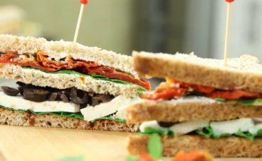 Kuru Domatesli Beyaz Peynirli Sandviç Tarifi