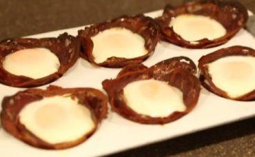 Fırında Pastırmalı Yumurta Tarifi