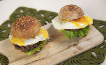 Yumurtalı Burger Tarifi