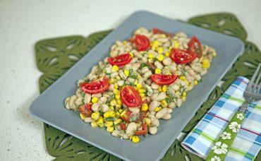 Fasulyeli Mısır Salatası Tarifi