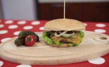 Uzman Kasap Hamburger Köftesi ile Cheeseburger Tarifi