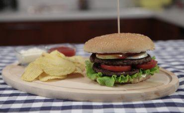 Uzman Kasap Hamburger Köftesi ile İki Katlı Hamburger Tarifi