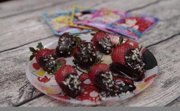 Patlayan Şekerli Çilekler Tarifi