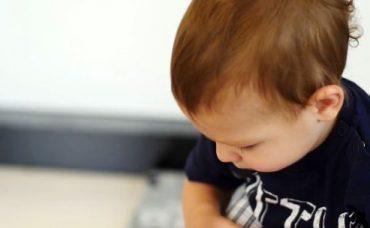 Bebekler ve Elektronik Eşyalar