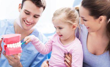 Diş Fırçalarken En Sık Yapılan Hatalar Nelerdir?