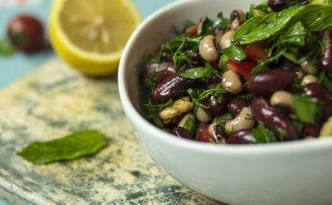 Meksika Fasulyeli Kuru Börülce Salatası Tarifi