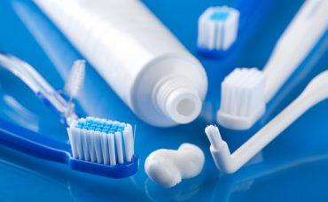 Diş Fırçaları Nasıl Temizlenir?
