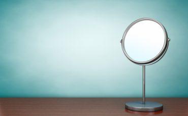Ayna Nasıl Parlatılır?
