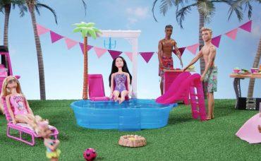 Barbie ile Nasıl Havuz Partisi Düzenlenir?