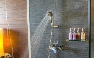 Erkan Şamcı'dan Duş Kabini Lekelerine Çözüm