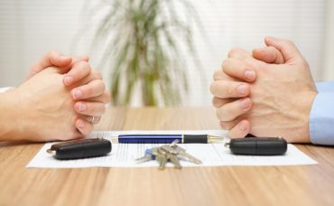 Boşanma Mahkemesine İki Taraf da Katılmalı mı?