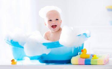 Pınar Mallı Anlatıyor: Yenidoğan Bebek Banyosu Nasıl Yaptırılmalı?