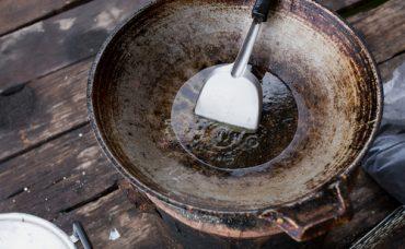 Tavadaki Kurumuş Yağ Lekesi Nasıl Temizlenir?