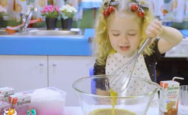 Ebrar'ın Beslenme Çantası: Meyve Parçacıklı Kurabiye