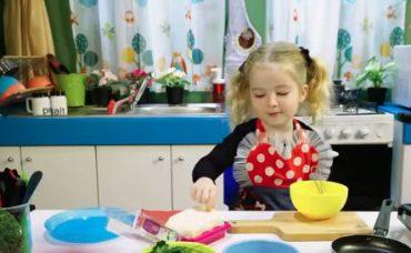Ebrar'ın Beslenme Çantası: Brokolili Omlet Tarifi