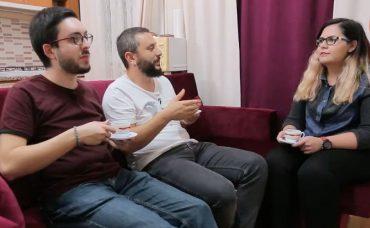 Gözlüklü ve Sakallı ile Öğrenci Evi: Romantik Akşam Yemeği