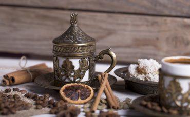 Çikolatalı Nar Şuruplu Türk Kahvesi Tarifi