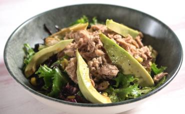 Ton Balıklı Avokado Salatası Tarifi