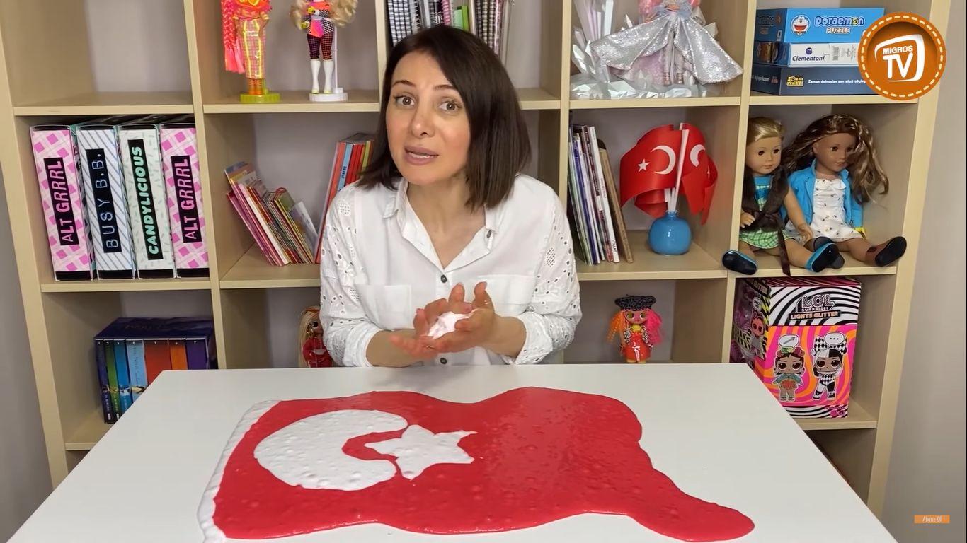 Bidünya Oyuncak TV'den Slime ile Türk Bayrağı Yapımı | 23 Nisan Özel