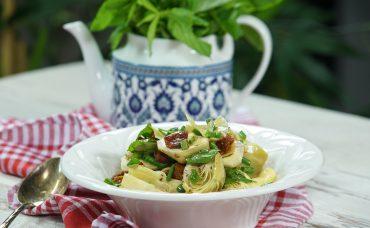 Bağışıklık Güçlendirici Enginar Kalbi Salatası