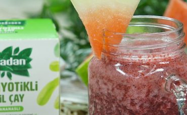 Doğadan Katkılarıyla; Probiyotikli Yeşil Çay Smoothie
