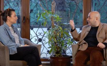 Nedim Saban ile Kulis: Karanlıkta Komedi Oyunu