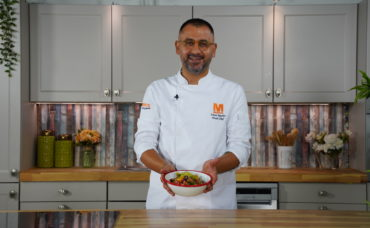 Umut Şef'ten Yeşil Üzümlü Panzanella Salatası Tarifi
