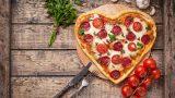 Pizzanın Sevgililer Günü'nden Daha Güzel Olduğunun 8 Kanıtı
