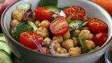 Bol Salatalıklı: Nohut Salatası